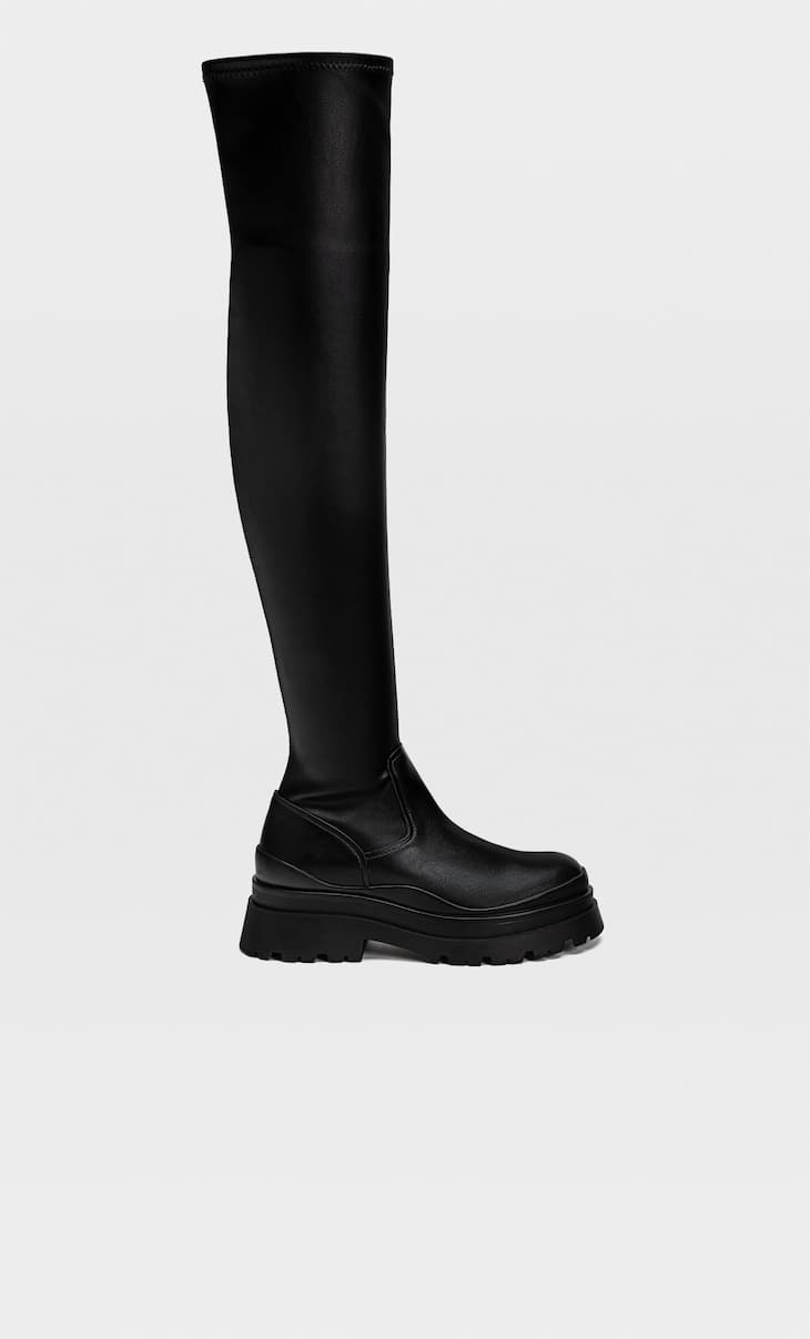 Low-heel track sole XL boots