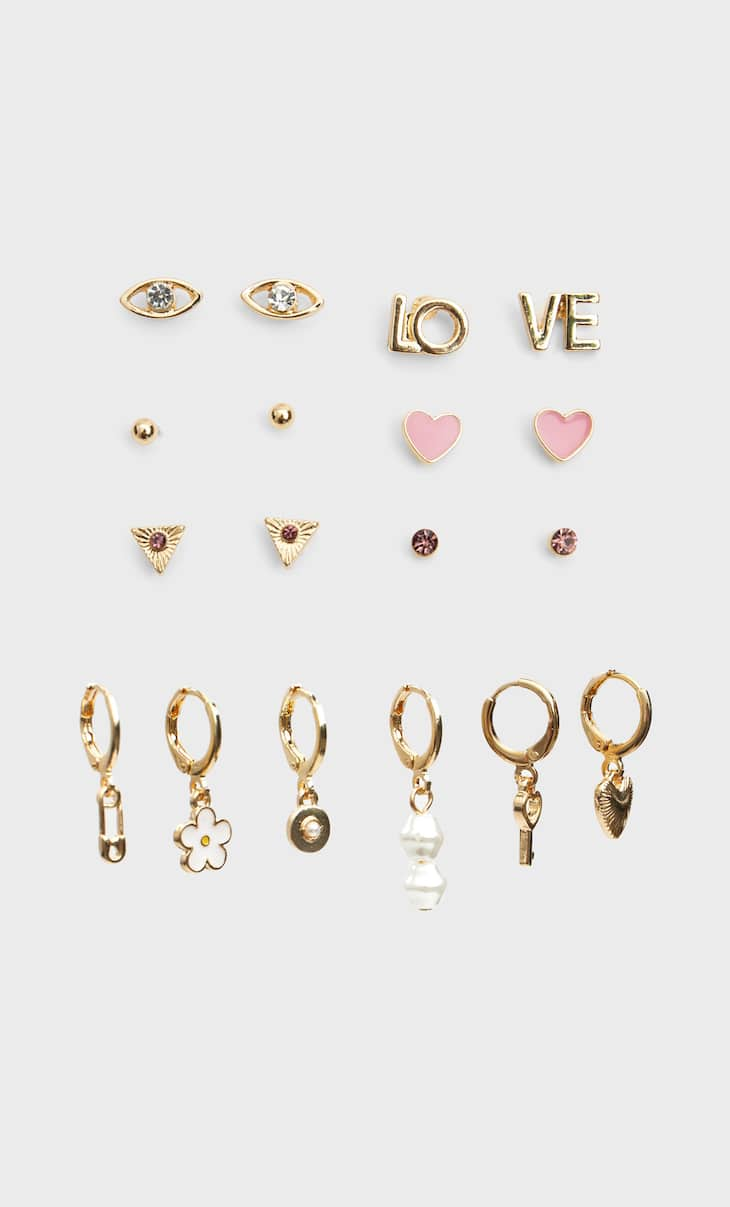 Set of love earrings