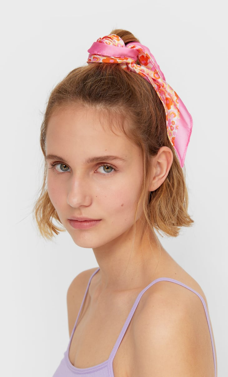 Floral print bow scrunchie
