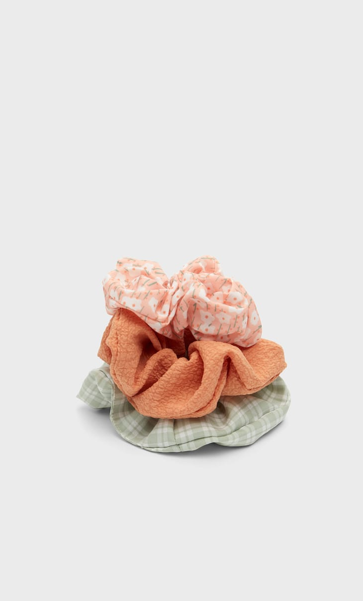 Set of 3 textured scrunchies