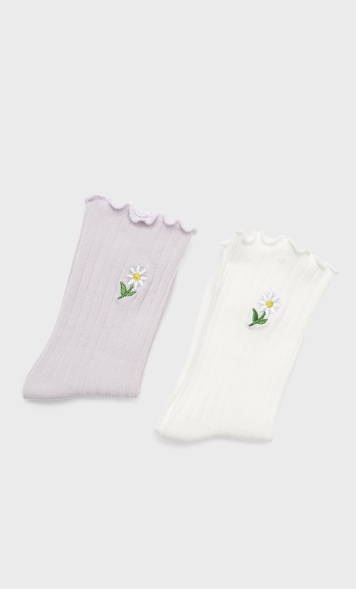 Socks with embroidered daisies