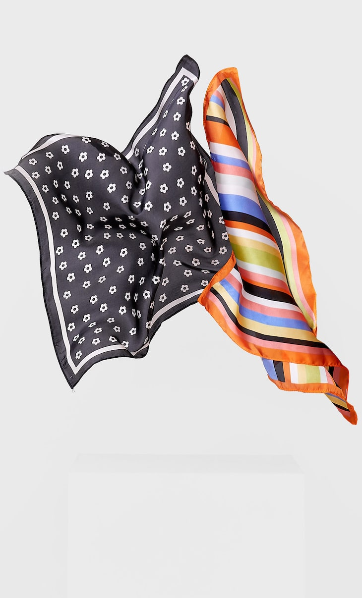 2-pack of striped and daisy print bandanas