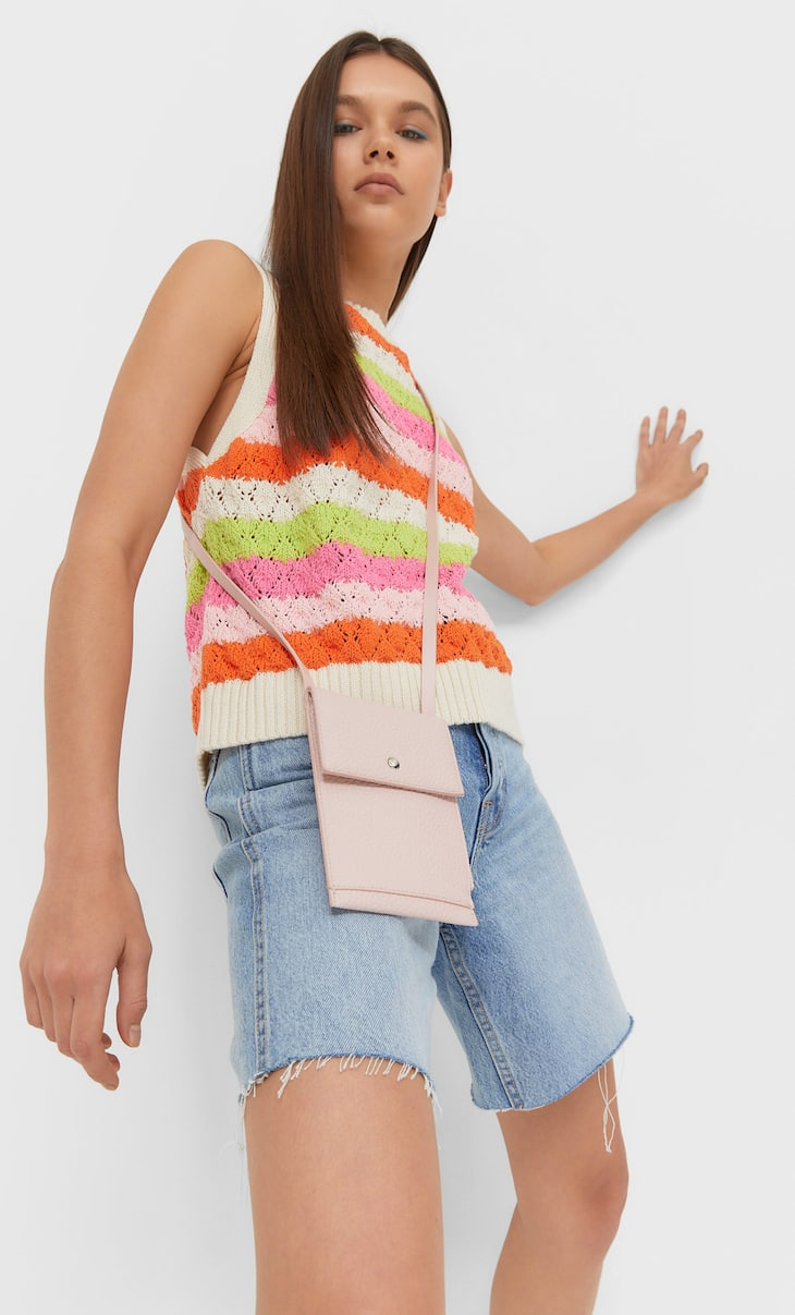 Zipped smartphone crossbody bag