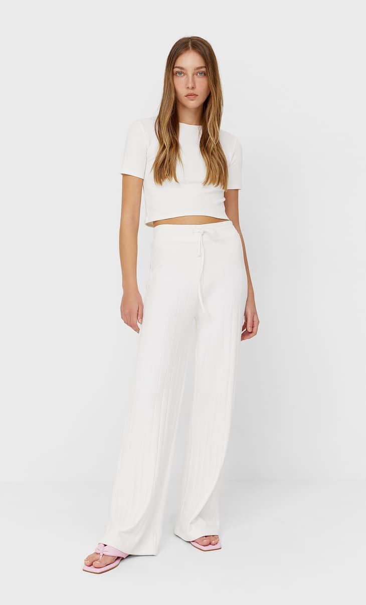 Wide cut ribbed trousers
