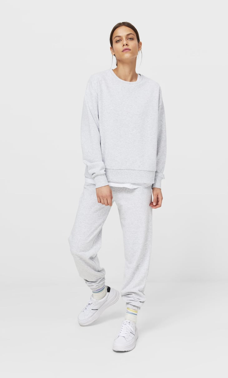 Pack of joggers and sweatshirt