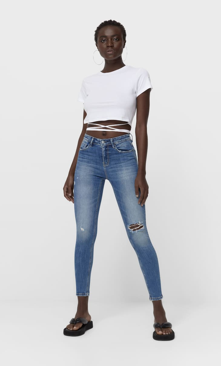 Ripped high waist jeans