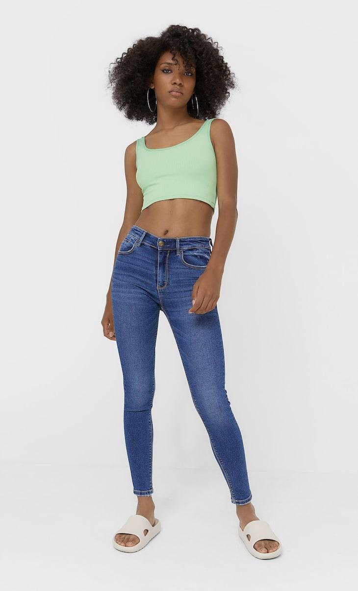 Jeansy skinny fit z niskim stanem