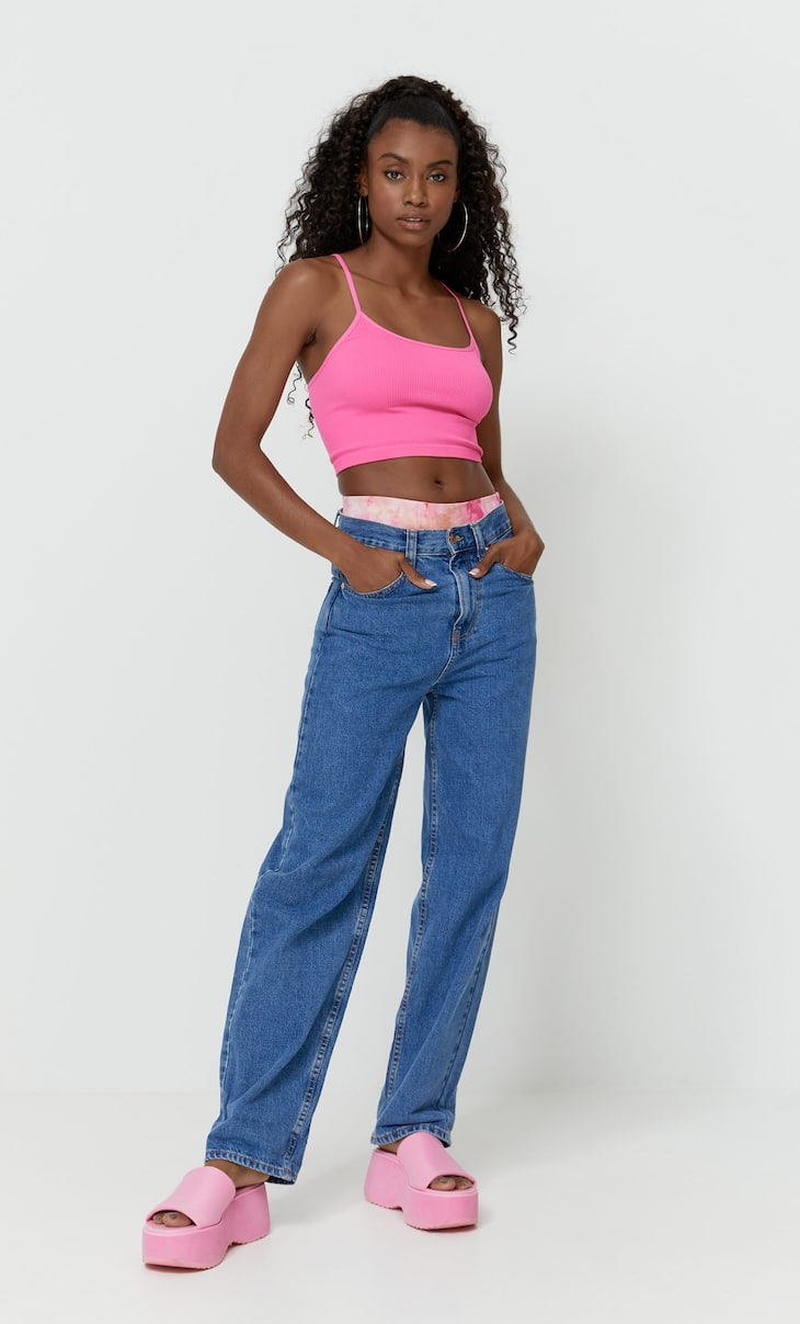 Loose mom jeans
