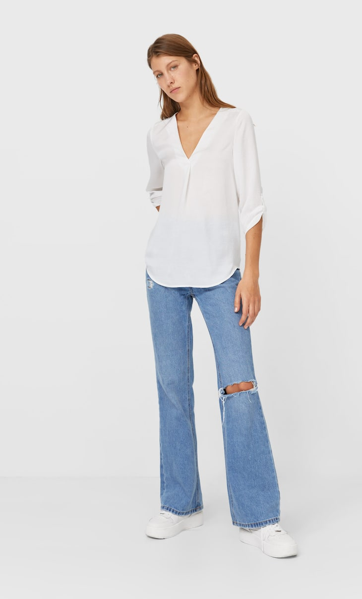 Shirt with 3/4 length sleeves