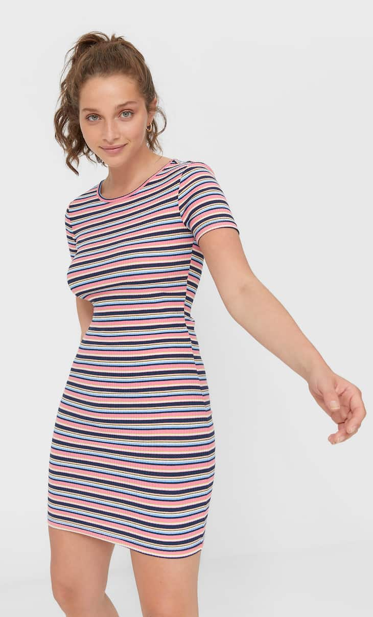 Robe multi-rayures à manches courtes