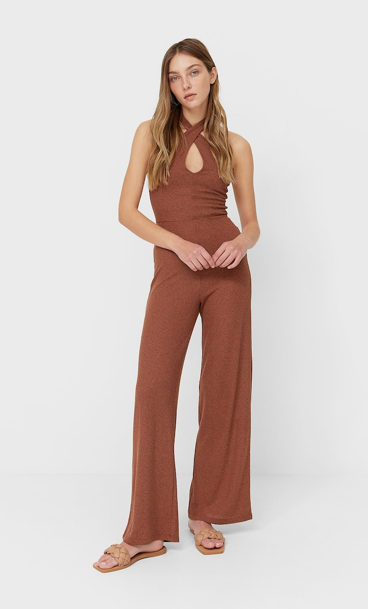 Jumpsuit with a tie around the neck