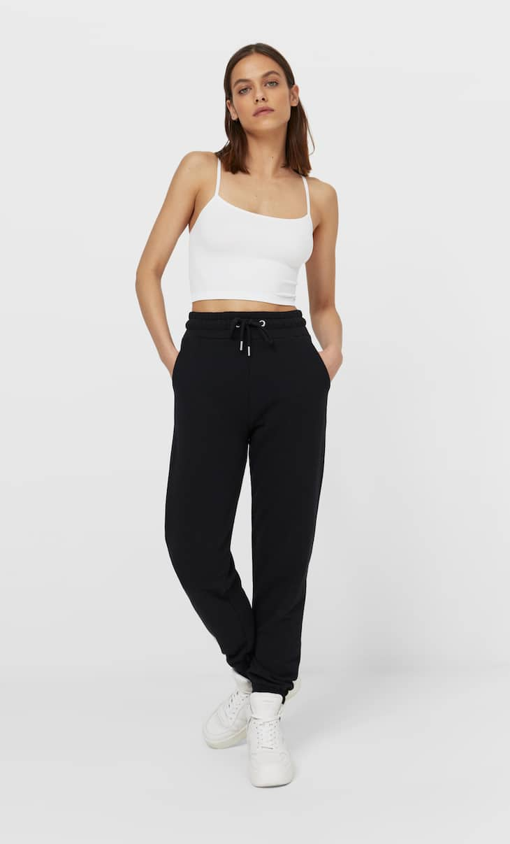 Seamless crop top with straps