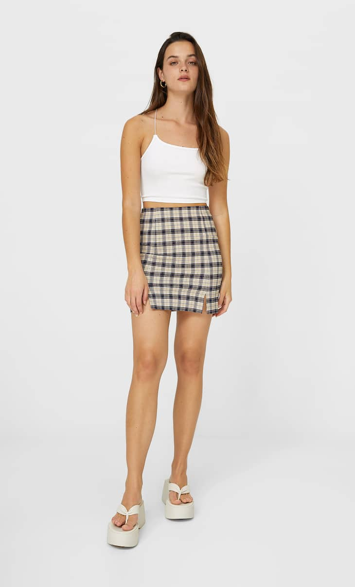 Mini skirt with slit detail