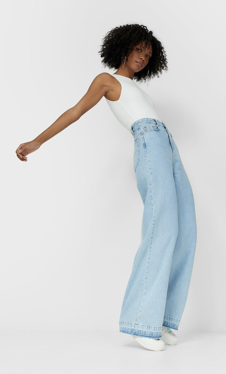 Jeans com perna super larga