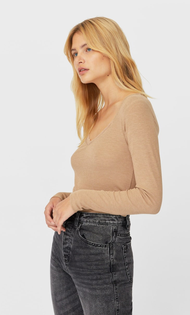 Long sleeve T-shirt with lace trim