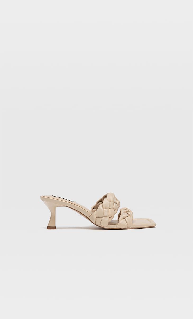 Örgü bantlı topuklu sandalet