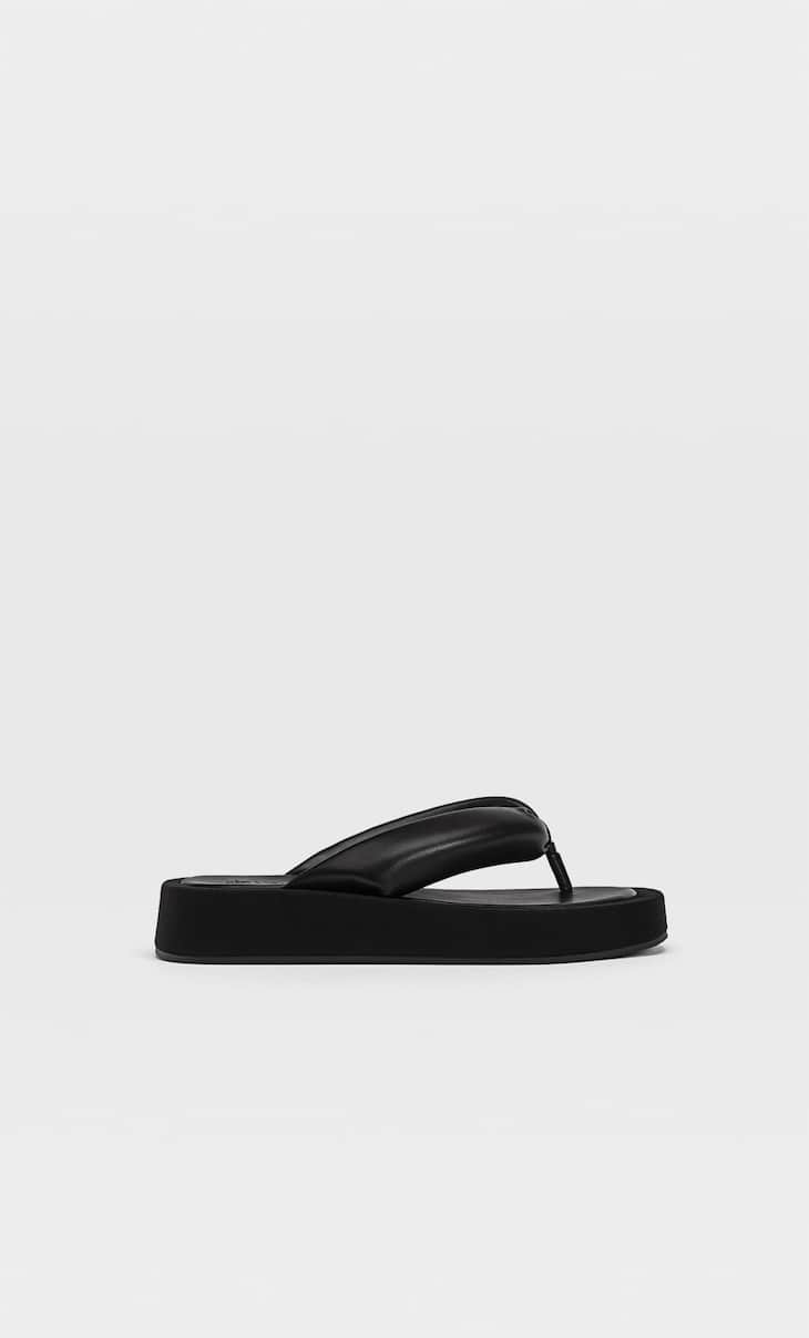 Sandales flatform matelassées