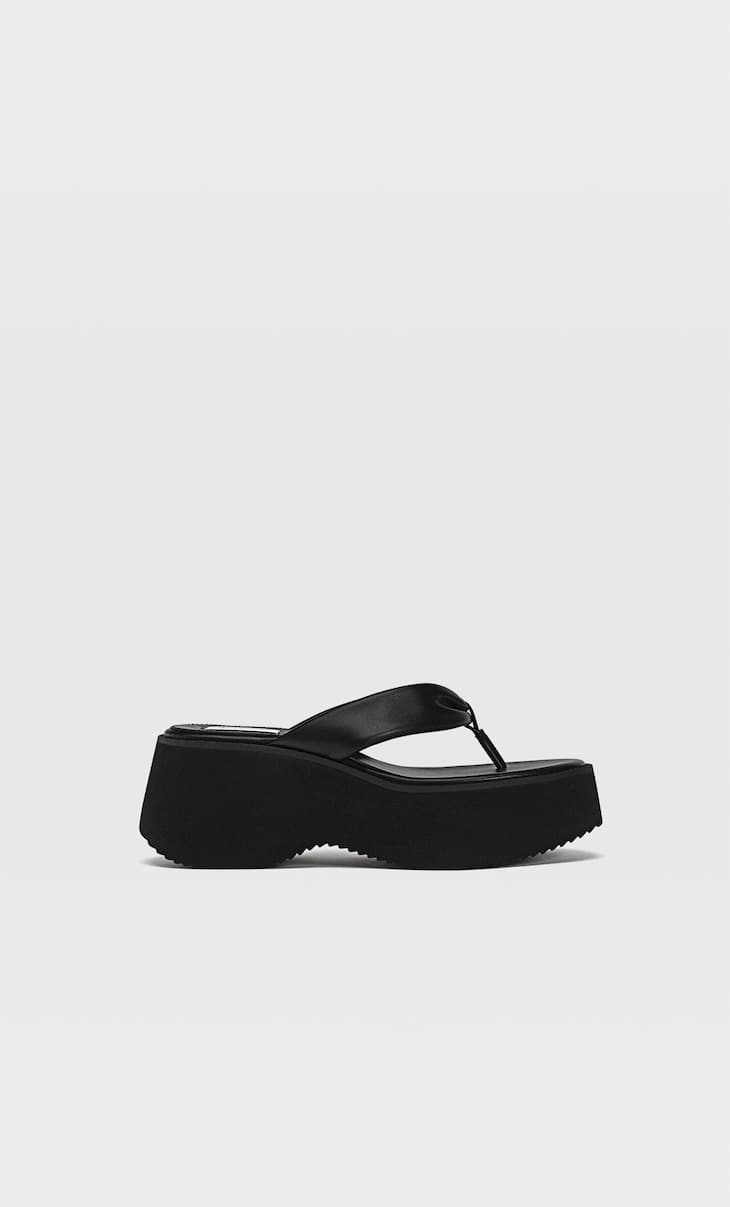 Flatform-slipper met teendetail
