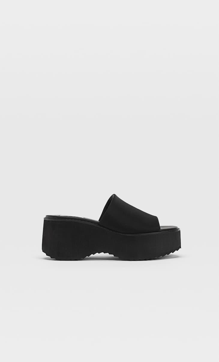 Neoprénové sandále na klinovom podpätku